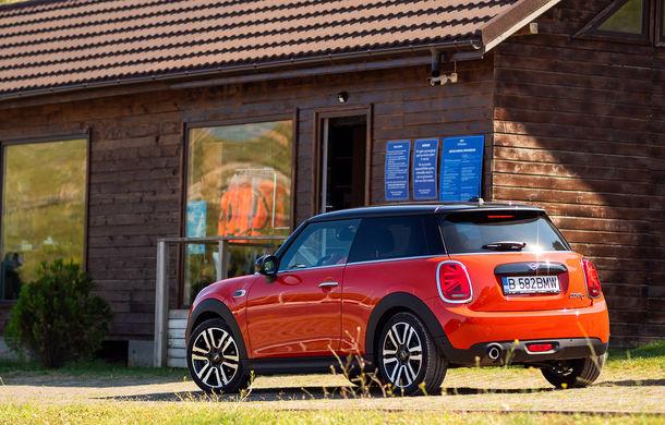 6 ore de fotografie auto: cu Mini și BMW în fața cursanților Festivalului Internațional de Arte Vizuale - Poza 57