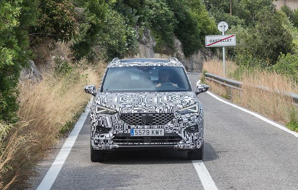 Seat Tarraco, testat sub camuflaj în off-road: SUV-ul cu 7 locuri va avea un sistem de protecție în cazul răsturnărilor - Poza 6