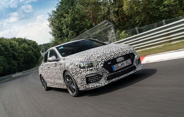 Hyundai i30 Fastback N se lansează în 26 septembrie: modelul de performanță va fi protagonistul unei curse de la Roma la Paris - Poza 1
