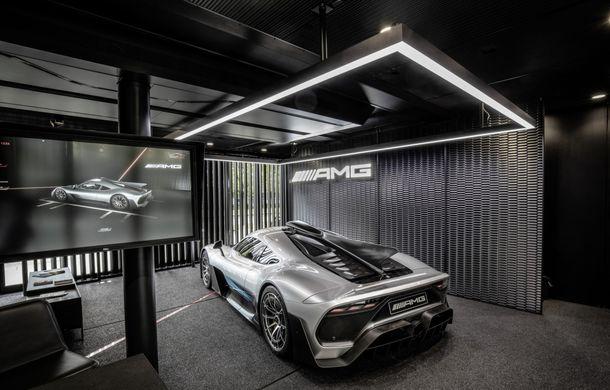 Primele imagini oficiale cu hypercarul Mercedes-AMG One: noul model va fi lansat la Paris - Poza 7