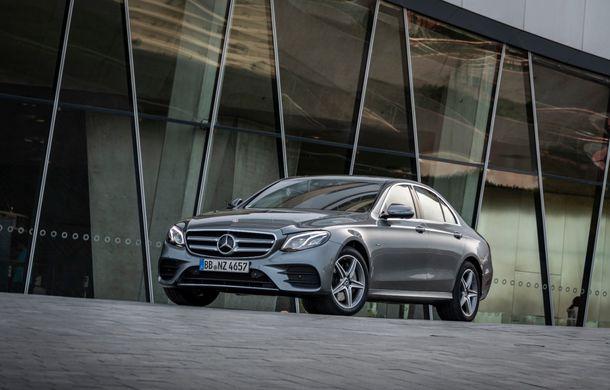 Mercedes-Benz Clasa E primește noi versiuni cu sistem hibrid de propulsie: până la 320 CP și autonomie în modul electric de 54 de kilometri - Poza 7