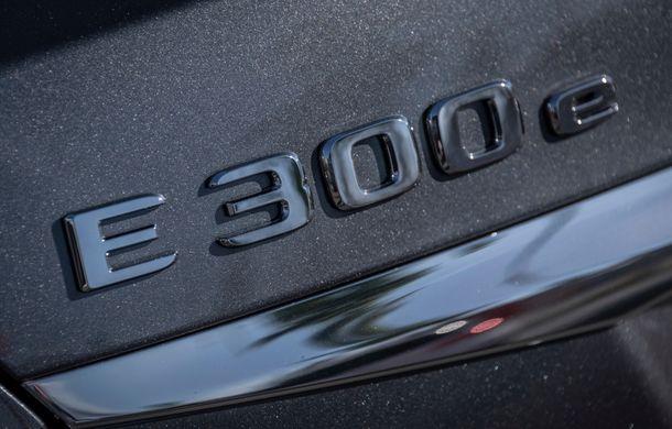 Mercedes-Benz Clasa E primește noi versiuni cu sistem hibrid de propulsie: până la 320 CP și autonomie în modul electric de 54 de kilometri - Poza 26