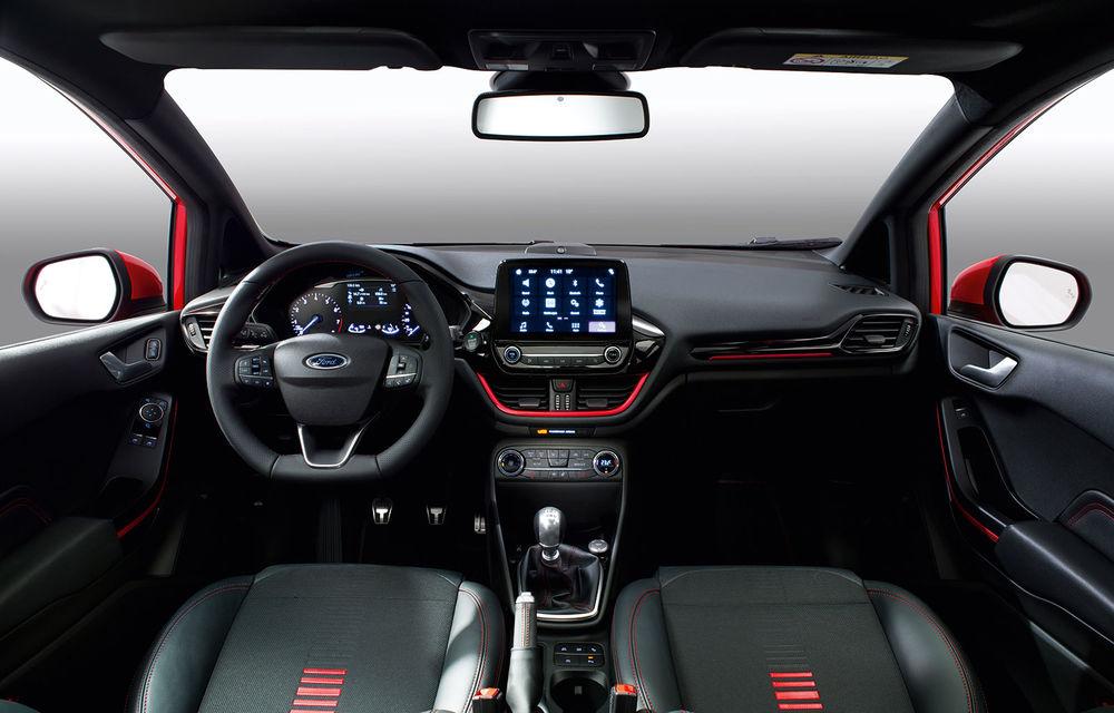 Îmbunătățiri pentru Ford Fiesta: modelul de clasă mică este disponibil în versiunile Red și Black Edition - Poza 5