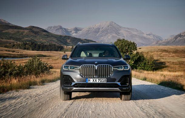 Oficial: BMW X7 se prezintă. Cel mai mare SUV din gama bavarezilor oferă 7 locuri și motorizări de până la 400 CP în Europa - Poza 2