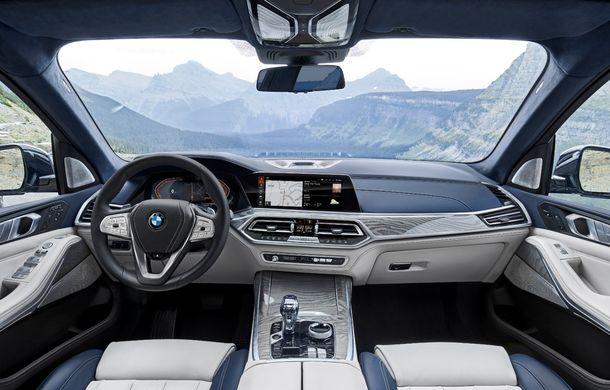 Oficial: BMW X7 se prezintă. Cel mai mare SUV din gama bavarezilor oferă 7 locuri și motorizări de până la 400 CP în Europa - Poza 41