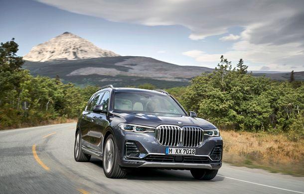 Oficial: BMW X7 se prezintă. Cel mai mare SUV din gama bavarezilor oferă 7 locuri și motorizări de până la 400 CP în Europa - Poza 23