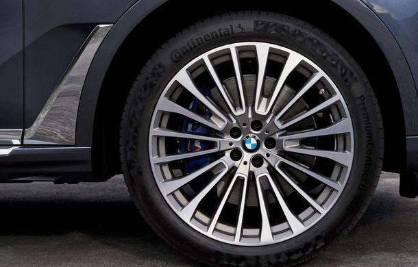 Oficial: BMW X7 se prezintă. Cel mai mare SUV din gama bavarezilor oferă 7 locuri și motorizări de până la 400 CP în Europa - Poza 31