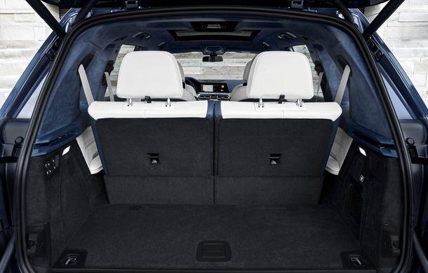 Oficial: BMW X7 se prezintă. Cel mai mare SUV din gama bavarezilor oferă 7 locuri și motorizări de până la 400 CP în Europa - Poza 35