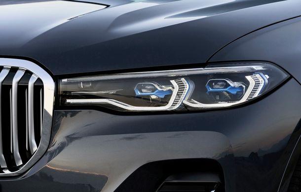 Oficial: BMW X7 se prezintă. Cel mai mare SUV din gama bavarezilor oferă 7 locuri și motorizări de până la 400 CP în Europa - Poza 28