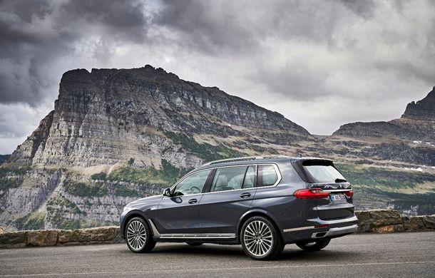 Oficial: BMW X7 se prezintă. Cel mai mare SUV din gama bavarezilor oferă 7 locuri și motorizări de până la 400 CP în Europa - Poza 20