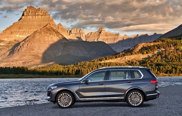 Oficial: BMW X7 se prezintă. Cel mai mare SUV din gama bavarezilor oferă 7 locuri și motorizări de până la 400 CP în Europa - Poza 15