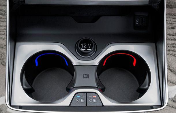Oficial: BMW X7 se prezintă. Cel mai mare SUV din gama bavarezilor oferă 7 locuri și motorizări de până la 400 CP în Europa - Poza 37