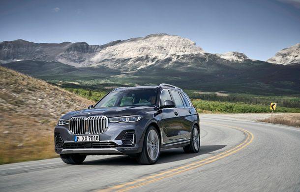 Oficial: BMW X7 se prezintă. Cel mai mare SUV din gama bavarezilor oferă 7 locuri și motorizări de până la 400 CP în Europa - Poza 22