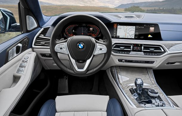 Oficial: BMW X7 se prezintă. Cel mai mare SUV din gama bavarezilor oferă 7 locuri și motorizări de până la 400 CP în Europa - Poza 39