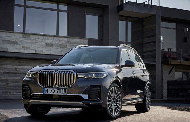 Oficial: BMW X7 se prezintă. Cel mai mare SUV din gama bavarezilor oferă 7 locuri și motorizări de până la 400 CP în Europa - Poza 9