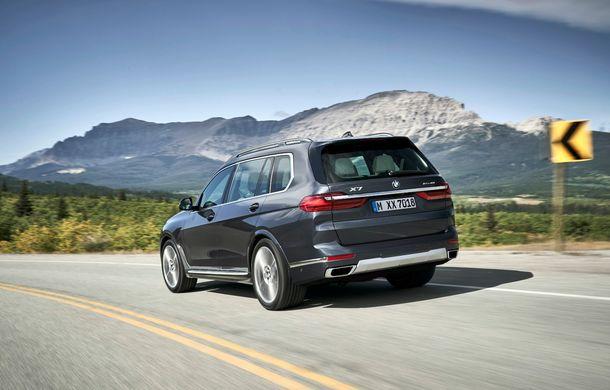 Oficial: BMW X7 se prezintă. Cel mai mare SUV din gama bavarezilor oferă 7 locuri și motorizări de până la 400 CP în Europa - Poza 25
