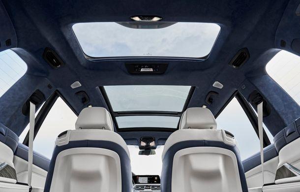 Oficial: BMW X7 se prezintă. Cel mai mare SUV din gama bavarezilor oferă 7 locuri și motorizări de până la 400 CP în Europa - Poza 40