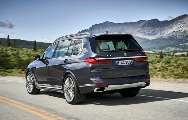 Oficial: BMW X7 se prezintă. Cel mai mare SUV din gama bavarezilor oferă 7 locuri și motorizări de până la 400 CP în Europa - Poza 26
