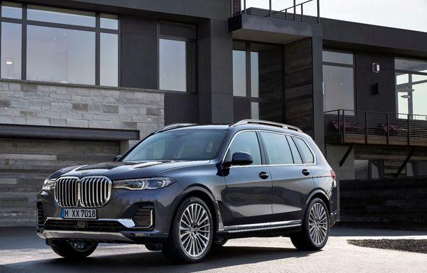 Oficial: BMW X7 se prezintă. Cel mai mare SUV din gama bavarezilor oferă 7 locuri și motorizări de până la 400 CP în Europa - Poza 10