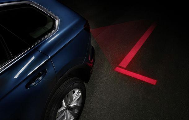 Volkswagen dezvoltă noi tehnologii de iluminare: semnături personalizate și indicații pentru orientare și parcare - Poza 5