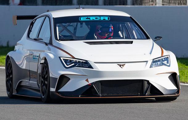 Prima apariție pe circuit a lui Cupra e-Racer: modelul electric va putea fi admirat din 2020 în cadrul unui campionat de turisme - Poza 1