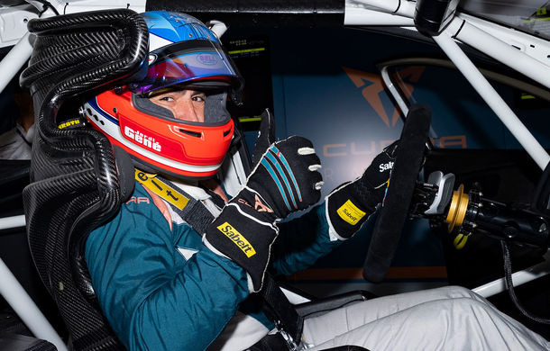 Prima apariție pe circuit a lui Cupra e-Racer: modelul electric va putea fi admirat din 2020 în cadrul unui campionat de turisme - Poza 5