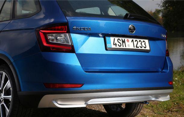 Primele imagini cu Skoda Fabia Combi Scoutline facelift: protecții suplimentare și doar motorizări pe benzină - Poza 16