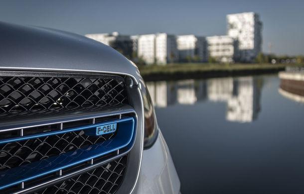O nouă șansă pentru tehnologia diesel? Prim contact cu hibrizii plug-in diesel-electric care își fac loc în gama Mercedes-Benz Clasa C și Clasa E - Poza 34