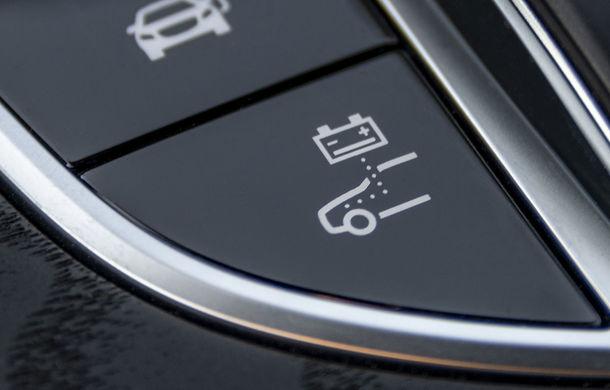 O nouă șansă pentru tehnologia diesel? Prim contact cu hibrizii plug-in diesel-electric care își fac loc în gama Mercedes-Benz Clasa C și Clasa E - Poza 17