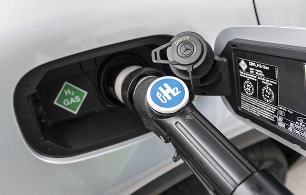 O nouă șansă pentru tehnologia diesel? Prim contact cu hibrizii plug-in diesel-electric care își fac loc în gama Mercedes-Benz Clasa C și Clasa E - Poza 37