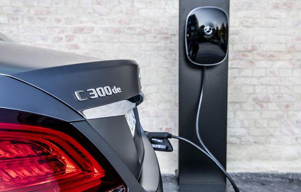 O nouă șansă pentru tehnologia diesel? Prim contact cu hibrizii plug-in diesel-electric care își fac loc în gama Mercedes-Benz Clasa C și Clasa E - Poza 9