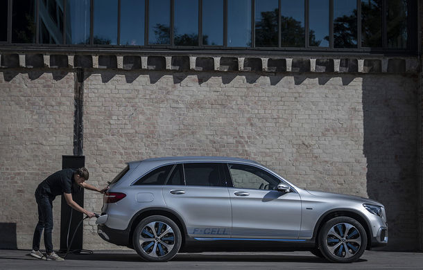 O nouă șansă pentru tehnologia diesel? Prim contact cu hibrizii plug-in diesel-electric care își fac loc în gama Mercedes-Benz Clasa C și Clasa E - Poza 35