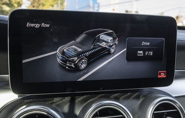 O nouă șansă pentru tehnologia diesel? Prim contact cu hibrizii plug-in diesel-electric care își fac loc în gama Mercedes-Benz Clasa C și Clasa E - Poza 40