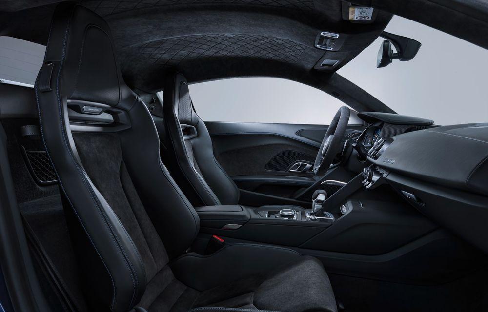 Audi R8 facelift, poze și detalii oficiale: modificări estetice minore, îmbunătățiri la nivelul suspensiei și motoare mai puternice - Poza 14