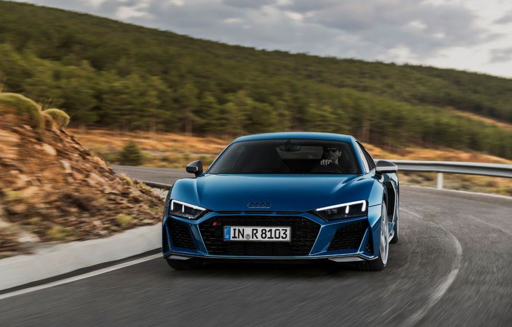 Audi R8 facelift, poze și detalii oficiale: modificări estetice minore, îmbunătățiri la nivelul suspensiei și motoare mai puternice - Poza 5
