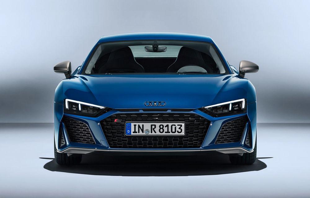 Audi R8 facelift, poze și detalii oficiale: modificări estetice minore, îmbunătățiri la nivelul suspensiei și motoare mai puternice - Poza 2
