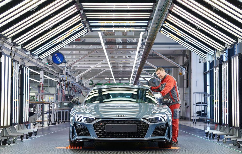 Audi R8 facelift, poze și detalii oficiale: modificări estetice minore, îmbunătățiri la nivelul suspensiei și motoare mai puternice - Poza 21