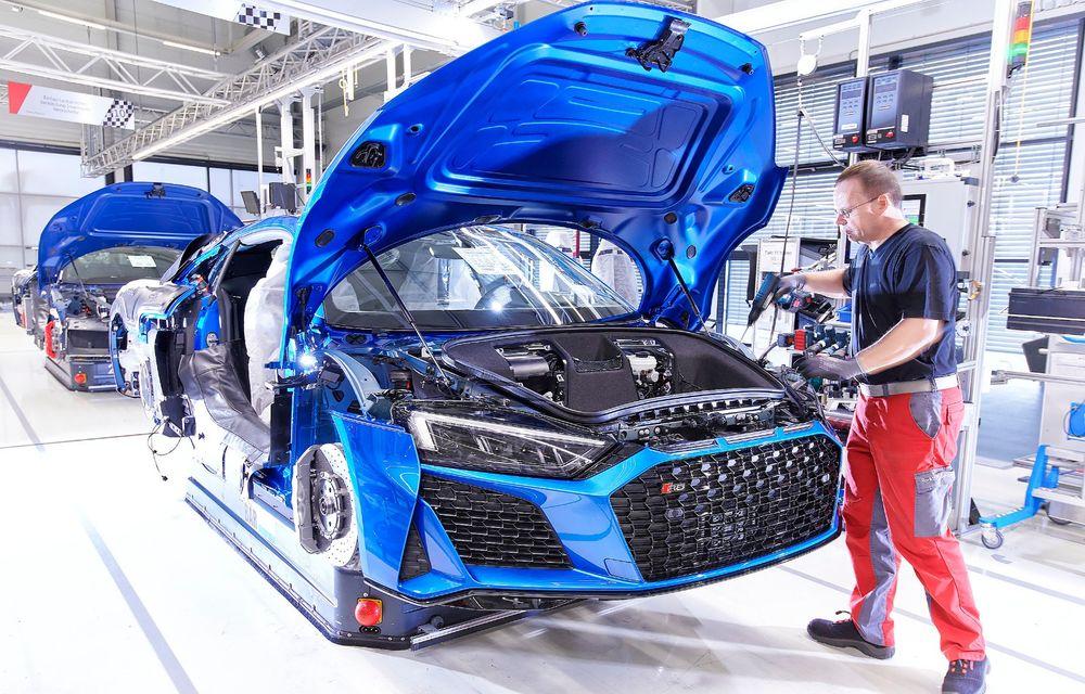 Audi R8 facelift, poze și detalii oficiale: modificări estetice minore, îmbunătățiri la nivelul suspensiei și motoare mai puternice - Poza 19