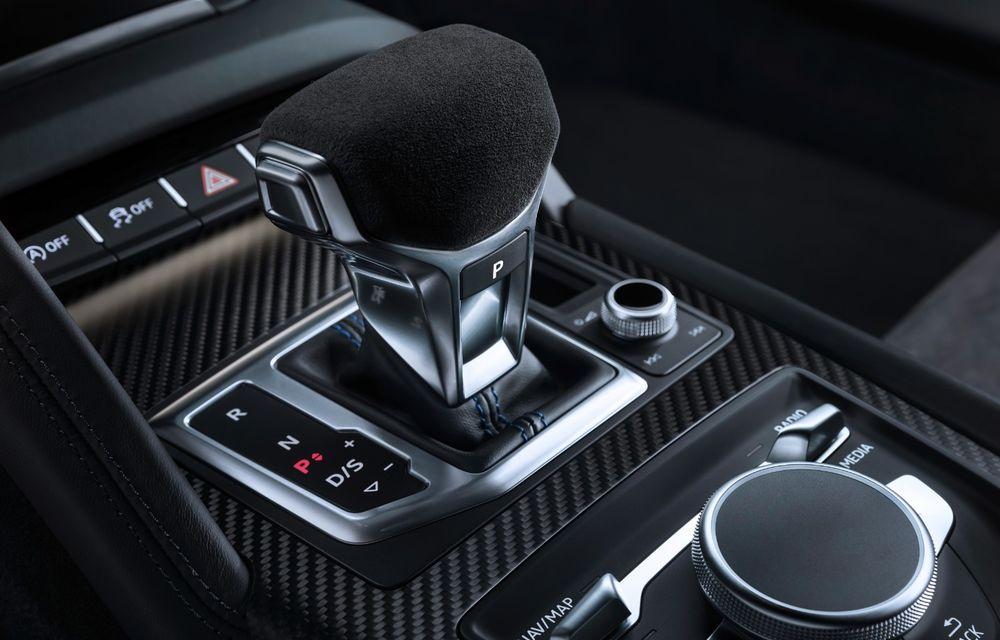Audi R8 facelift, poze și detalii oficiale: modificări estetice minore, îmbunătățiri la nivelul suspensiei și motoare mai puternice - Poza 18