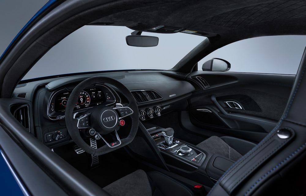 Audi R8 facelift, poze și detalii oficiale: modificări estetice minore, îmbunătățiri la nivelul suspensiei și motoare mai puternice - Poza 13