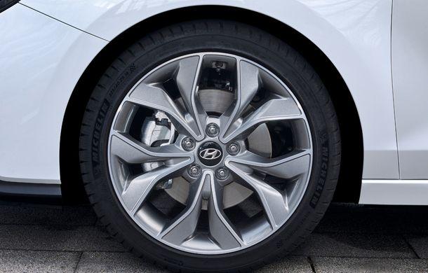 Hyundai prezintă i30 Fastback N Line: design mai agresiv și îmbunătățiri tehnice pentru modelul asiatic - Poza 20
