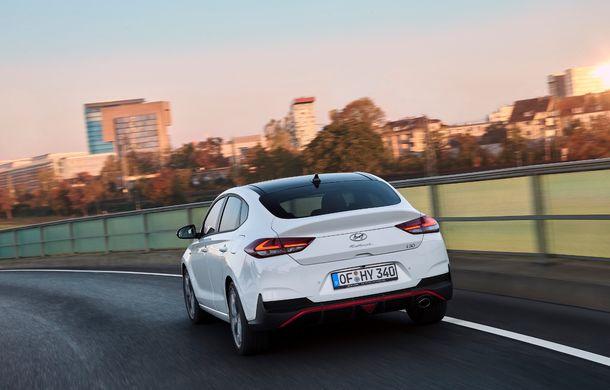 Hyundai prezintă i30 Fastback N Line: design mai agresiv și îmbunătățiri tehnice pentru modelul asiatic - Poza 12