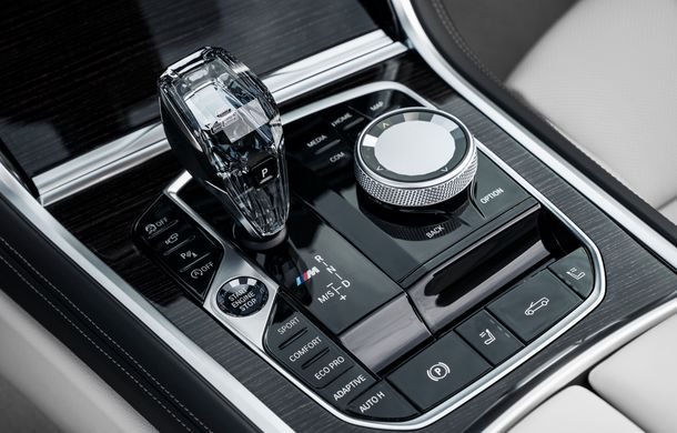 BMW Seria 8 Cabrio, poze și informații oficiale: motorizări de până la 530 CP și 15 secunde pentru plierea plafonului din material textil - Poza 43