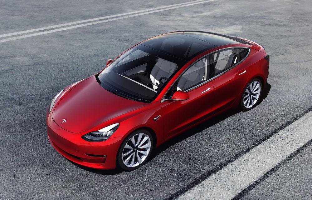 Tesla Model 3 a devenit cea mai vândută mașina electrică din lume: sedanul american a depășit Nissan Leaf - Poza 1