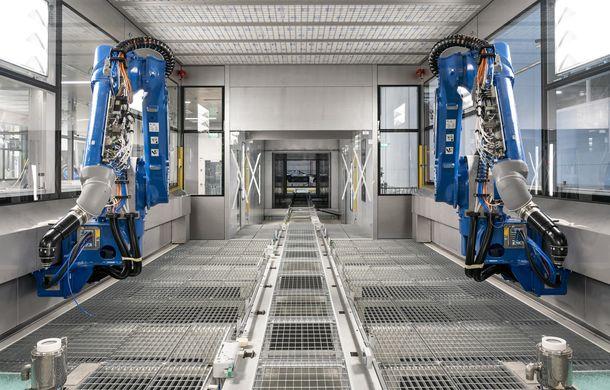 Primul SUV Aston Martin, lansare oficială în ultimul trimestru din 2019: fabrica din St Athan va fi inaugurată la începutul anului viitor - Poza 3