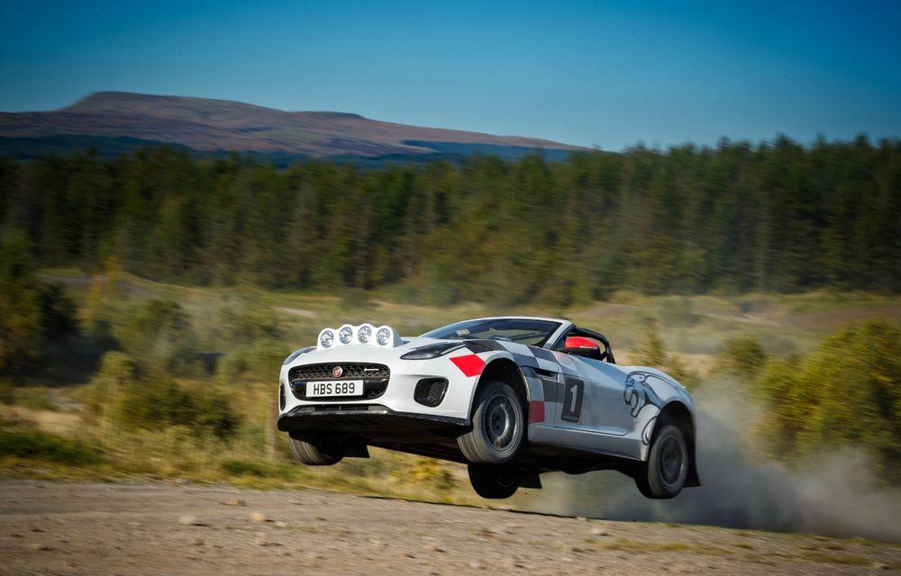 Aniversare în stil britanic: Jaguar a transformat două exemplare F-Type Cabrio în mașini destinate raliurilor pentru a sărbători 70 de ani de la debutul lui XK 120 - Poza 8