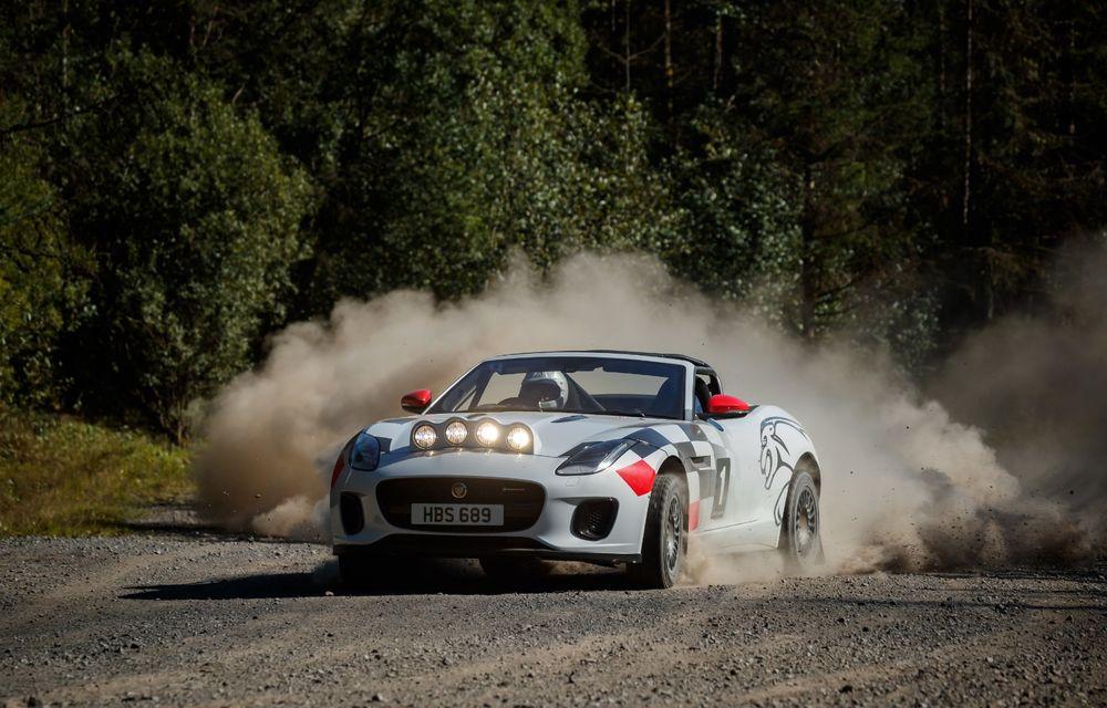 Aniversare în stil britanic: Jaguar a transformat două exemplare F-Type Cabrio în mașini destinate raliurilor pentru a sărbători 70 de ani de la debutul lui XK 120 - Poza 5