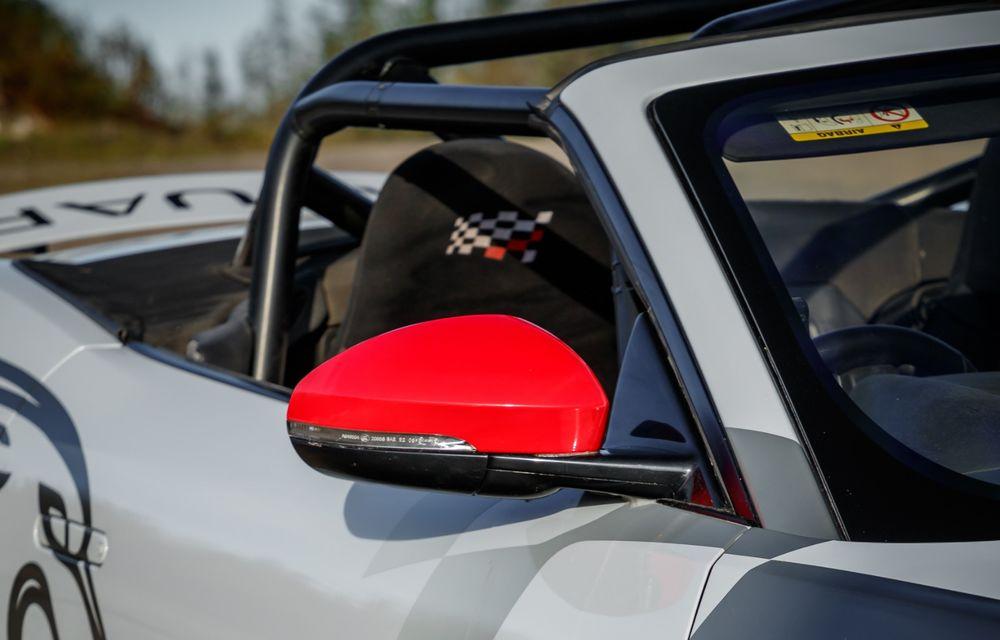 Aniversare în stil britanic: Jaguar a transformat două exemplare F-Type Cabrio în mașini destinate raliurilor pentru a sărbători 70 de ani de la debutul lui XK 120 - Poza 15