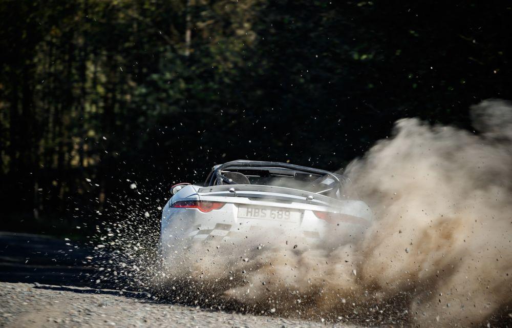 Aniversare în stil britanic: Jaguar a transformat două exemplare F-Type Cabrio în mașini destinate raliurilor pentru a sărbători 70 de ani de la debutul lui XK 120 - Poza 7