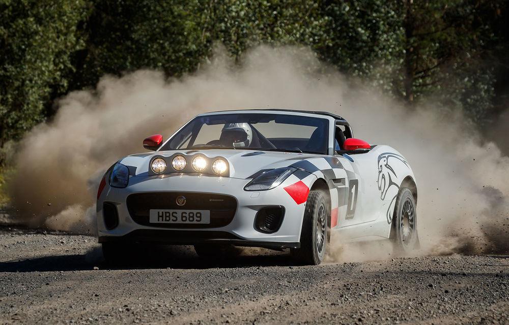Aniversare în stil britanic: Jaguar a transformat două exemplare F-Type Cabrio în mașini destinate raliurilor pentru a sărbători 70 de ani de la debutul lui XK 120 - Poza 1